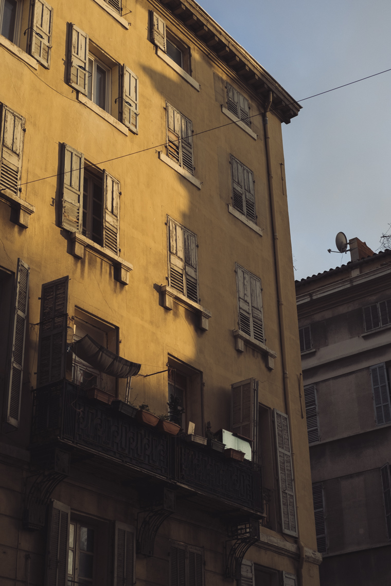 Marseille_CollectedThoughts_StreetScene-2